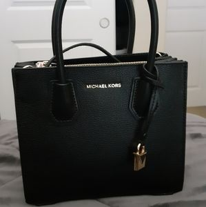 Mini Black Michael Kors crossbody handbag